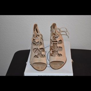 SUEDE LACE UP HEELS BY STEVE MADDEN * 10M *